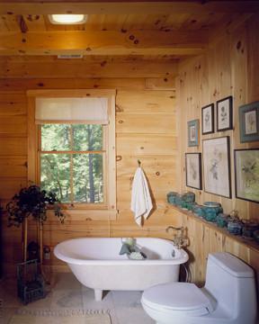 Log Home Bathroom - Timberhaven