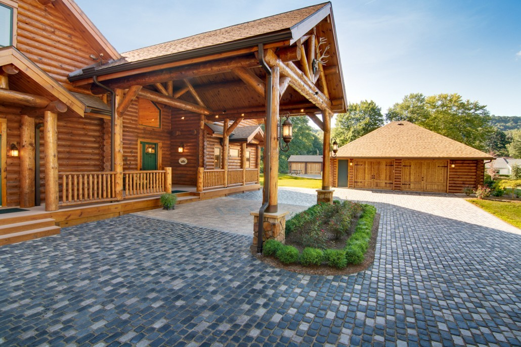 Towering Log Home Portico with Style