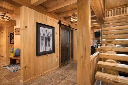 Sacchini Log Cabin Entryway
